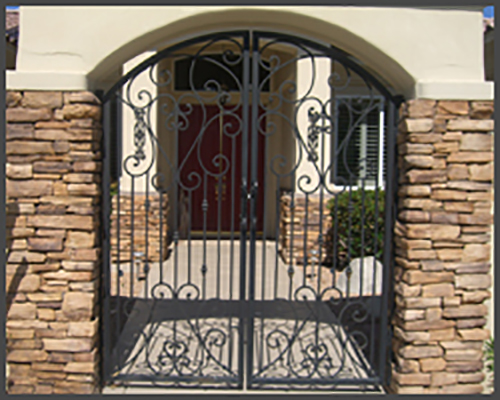 Double Scroll Ped Gate