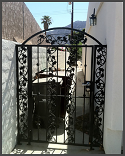 Grapevine single ped gate