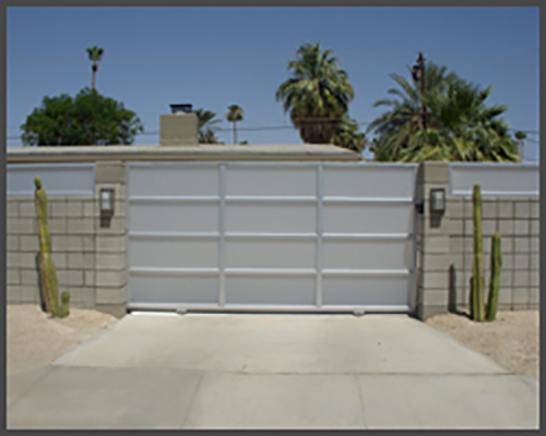 Aluminum Gate with Frosted Glass