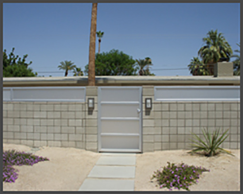 4 Panel avante ped gate alum frame frosted glass